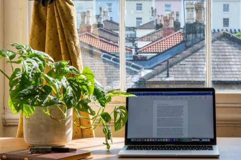 How to Ask Your Boss for Full-Time Remote Work thumbnail image