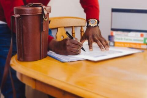4 Salary Negotiation Tips (Including Sample Scripts) thumbnail image